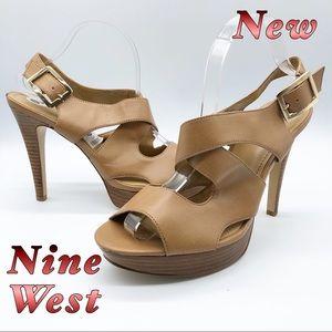 New-Nine West Tan Criss Criss buckle heel 10